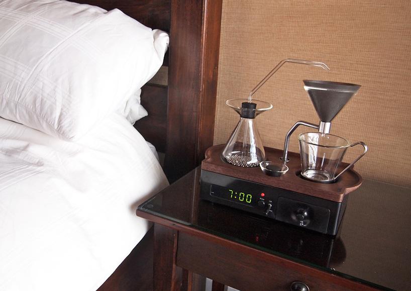 barisieur-alarm-clock-and-coffee-brewer-joshua-renouf-designboom-171